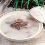 产后滋补美味鲜:鲫鱼炖汤